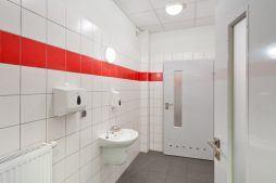 pomieszczenie sanitarne - hala produkcyjno-magazynowa z częścią biurową, dla 2x3, Krzęcin, woj. zachodniopomorskie