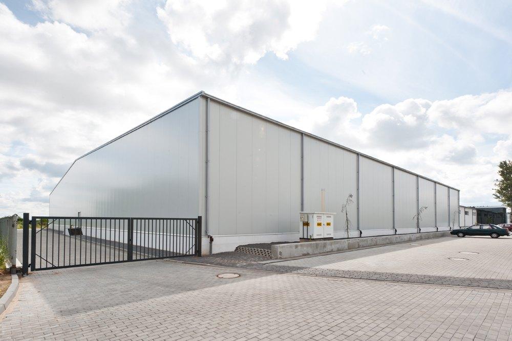 ściana boczna i frontowa hali 1 - hala produkcyjna, dla Pilawa, Kołobrzeg, woj. zachodniopomorskie