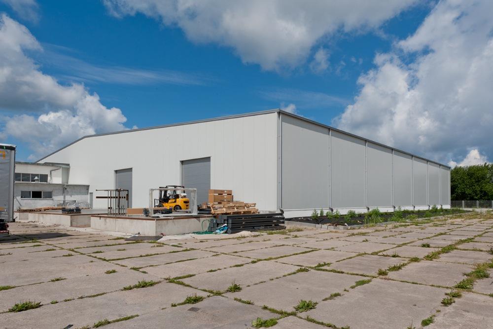 widok na halę - hala produkcyjna, dla Pilawa, Kołobrzeg, woj. zachodniopomorskie