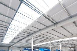 świetliki dachowe widziane od wewnątrz - hala produkcyjna, dla Pilawa, Kołobrzeg