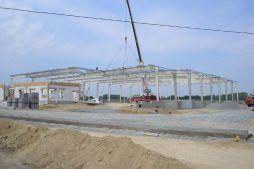wznoszenie elementów konstrukcji stalowej - centrum logistyczne z budynkiem biurowym, dla Schavemaker, Kąty Wrocławskie