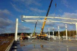 wznoszenie konstrukcji stalowej - hala produkcyjna z budynkiem biurowym, dla Blyweert Aluminium, Czosnów