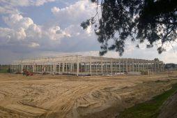 widok ogólny konstrukcji obiektu - hala produkcyjna z budynkiem biurowym, dla Adams, Mrągowo, woj. warmińsko-mazurskie