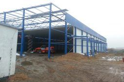 widok ogólny 2 - hala produkcyjna z budynkiem biurowym, Żdżary, dla Futrex, woj. zachodniopomorskie