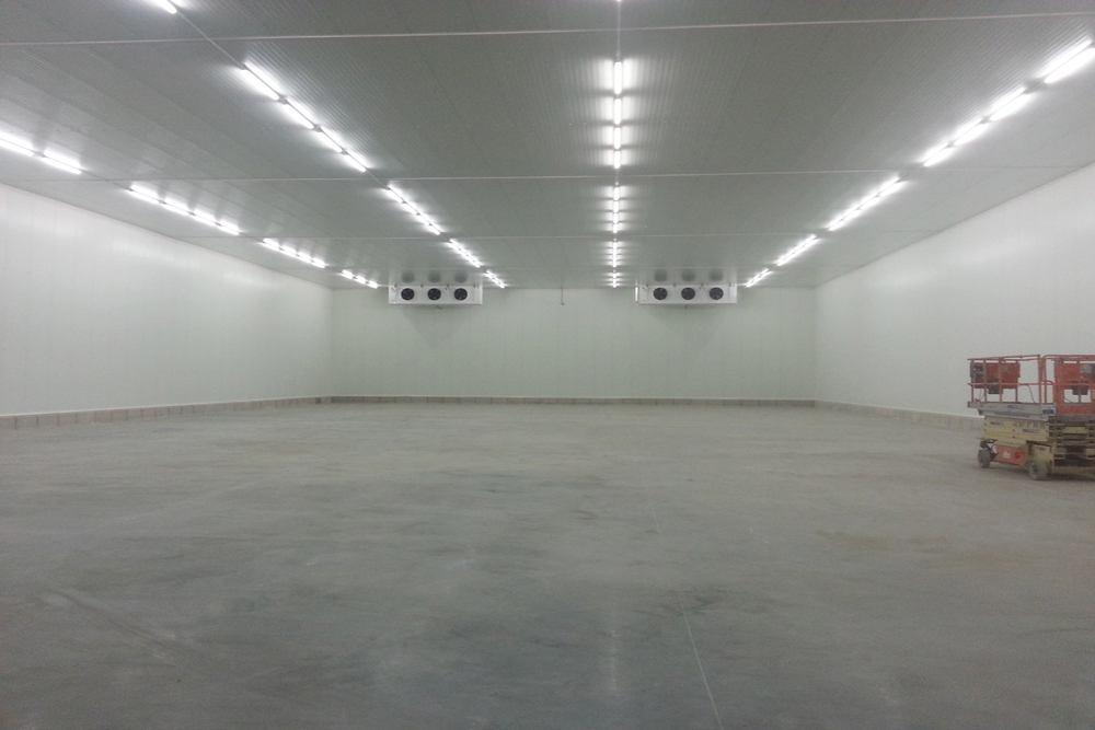 wnętrze obiektu - hala produkcyjna z budynkiem biurowym, dla Futrex, Żdżary, woj. zachodniopomorskie