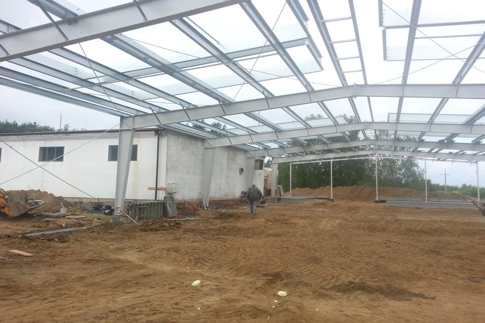 konstrukcja stalowa widziana od wewnątrz - hala produkcyjno-magazynowa, dla Drewco, Chojna