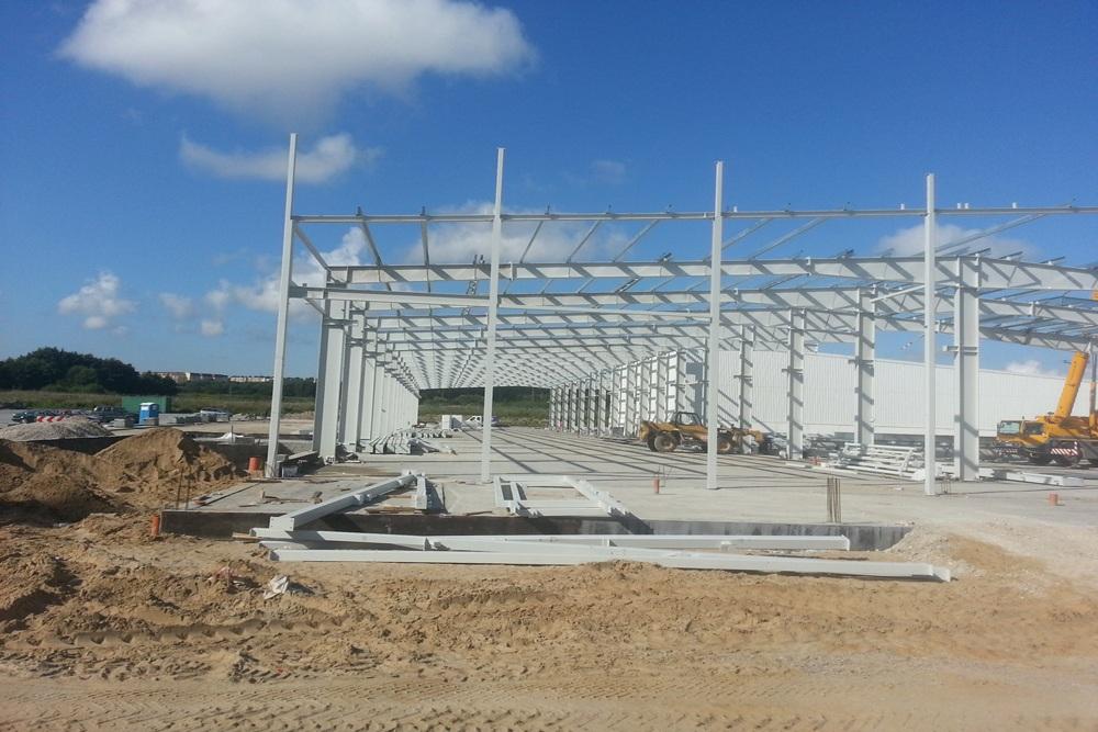konstrukcja stalowa obiektu - hala produkcyjna z częścią biurową, dla Leann Stańczyk, Słupsk, woj. pomorskie