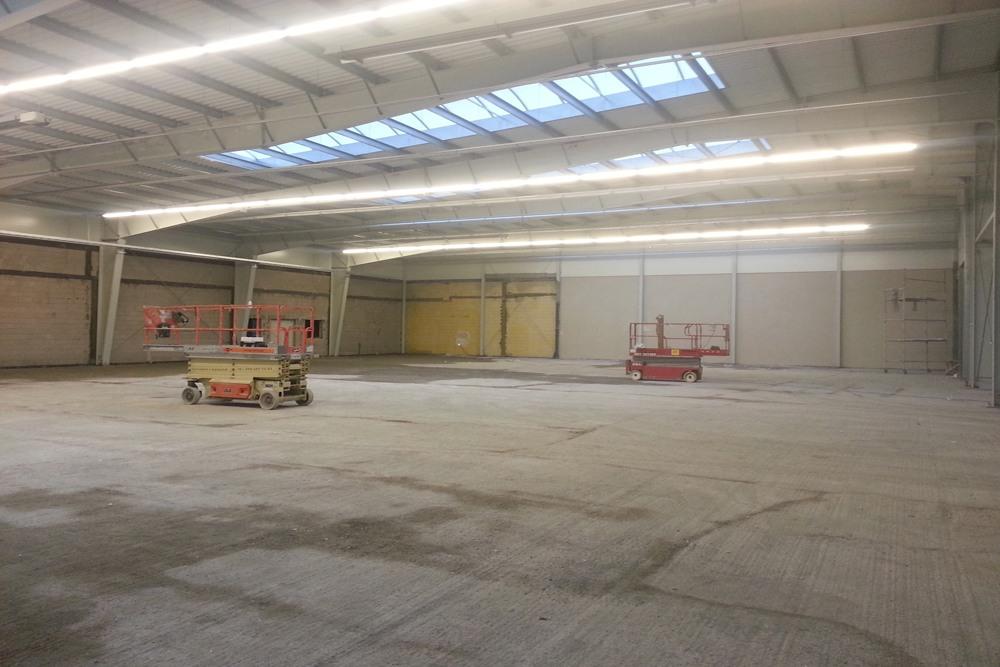 prace wykończeniowe wewnętrzne - hala produkcyjna z częścią biurową, dla Leann Stańczyk, Słupsk, woj. pomorskie
