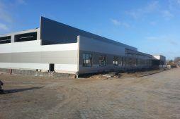 montaż paneli elewacyjnych - hala produkcyjna z częścią biurową, dla Leann Stańczyk, Słupsk, woj. pomorskie
