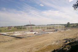 widok konstrukcji stalowej - hala produkcyjna z budynkiem biurowym, dla Adams, Mrągowo, woj. warmińsko-mazurskie
