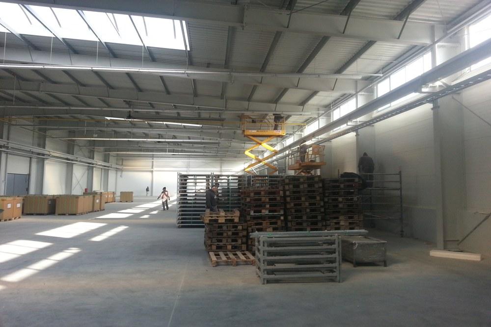 wnętrze budynku 7 - hala produkcyjna z częścią biurową, dla Leann Stańczyk, Słupsk, woj. pomorskie