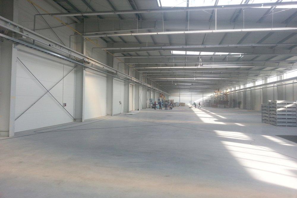 wnętrze budynku 9 - hala produkcyjna z częścią biurową, dla Leann Stańczyk, Słupsk, woj. pomorskie