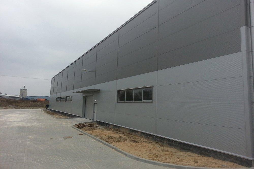 jedna z elewacji zewnętrznych - hala produkcyjna z częścią biurową, dla Leann Stańczyk, Słupsk, woj. pomorskie