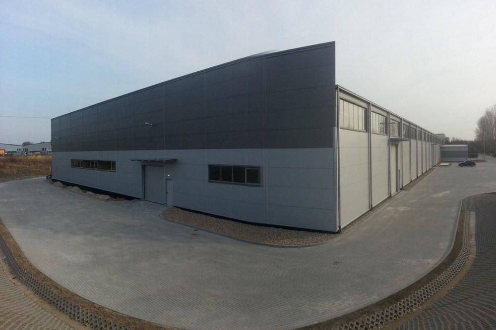 jedna z elewacji zewnętrznych 4 - hala produkcyjna z częścią biurową, dla Leann Stańczyk, Słupsk, woj. pomorskie