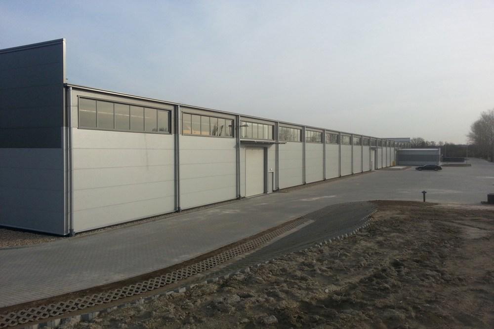 jedna z elewacji zewnętrznych 5 - hala produkcyjna z częścią biurową, dla Leann Stańczyk, Słupsk, woj. pomorskie