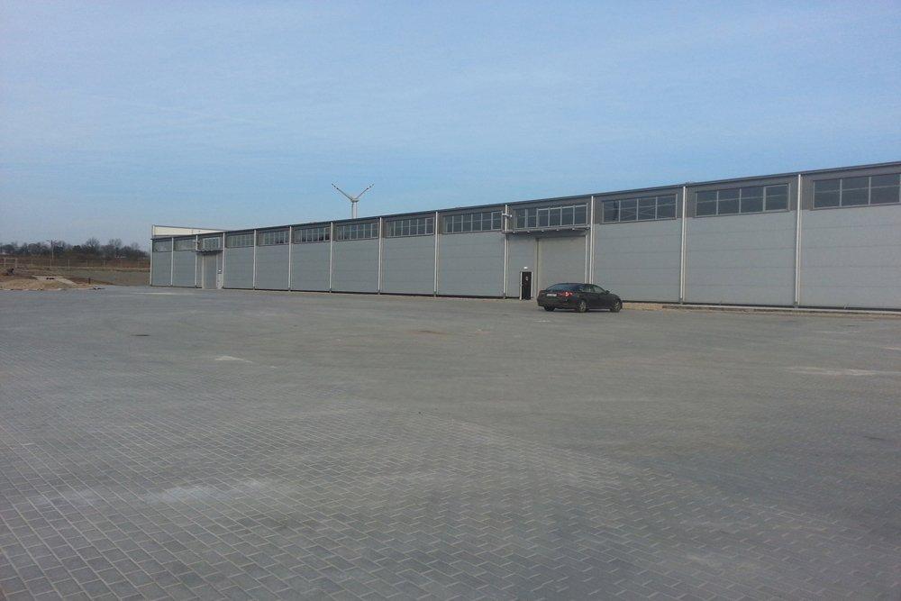 jedna z elewacji zewnętrznych 7 - hala produkcyjna z częścią biurową, dla Leann Stańczyk, Słupsk, woj. pomorskie