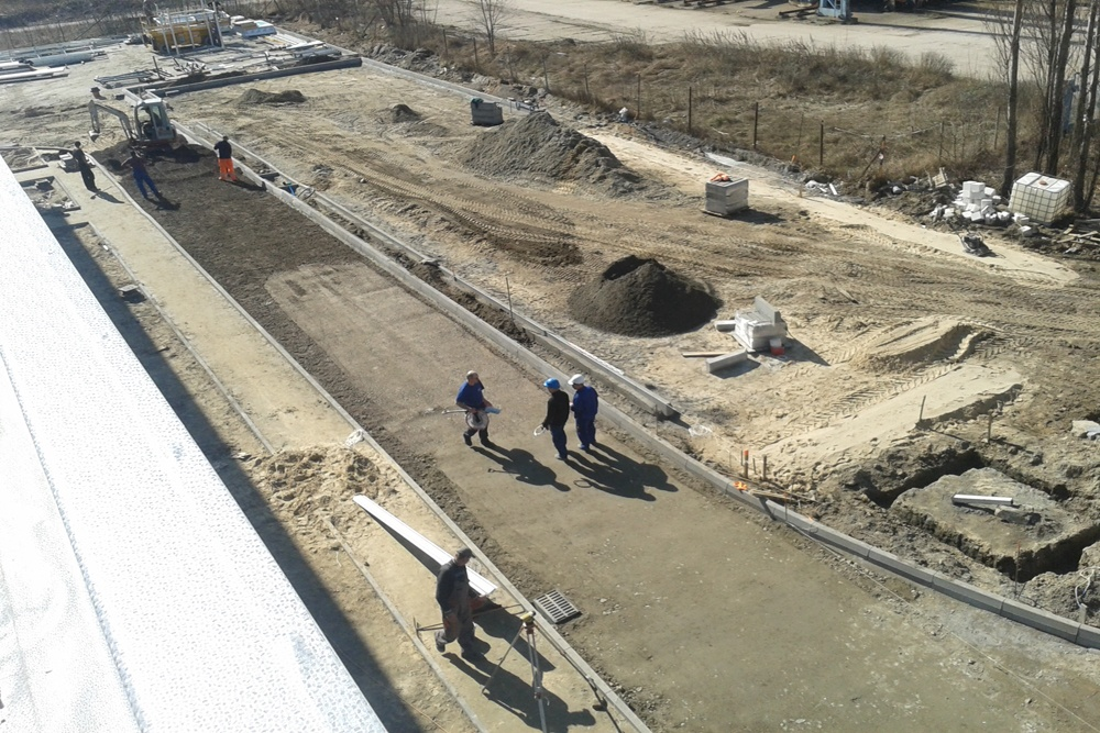 prace wykończeniowe zewnętrzne - hala produkcyjna z częścią biurową, dla Arsanit, Konin, woj. wielkopolskie