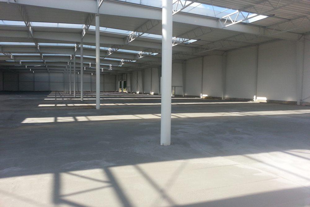 gotowa posadzka 1 - hala produkcyjno-magazynowa z budynkiem biurowym, dla Jota Group, Ostróda, warmińsko-mazurskie