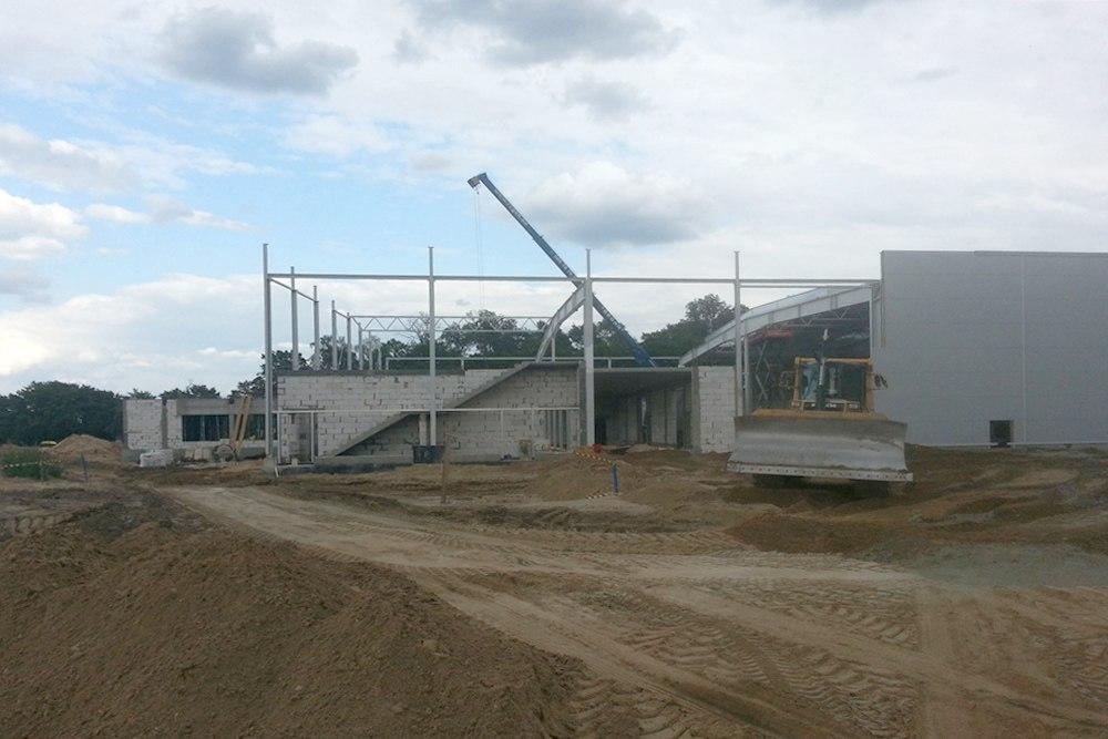 wznoszenie budynku biurowego 1 - hala produkcyjno-magazynowa z budynkiem biurowym, dla Jota Group, Ostróda