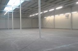 wnętrze obiektu - hala produkcyjna z częścią biurową, dla Nome, Mników, woj. małopolskie