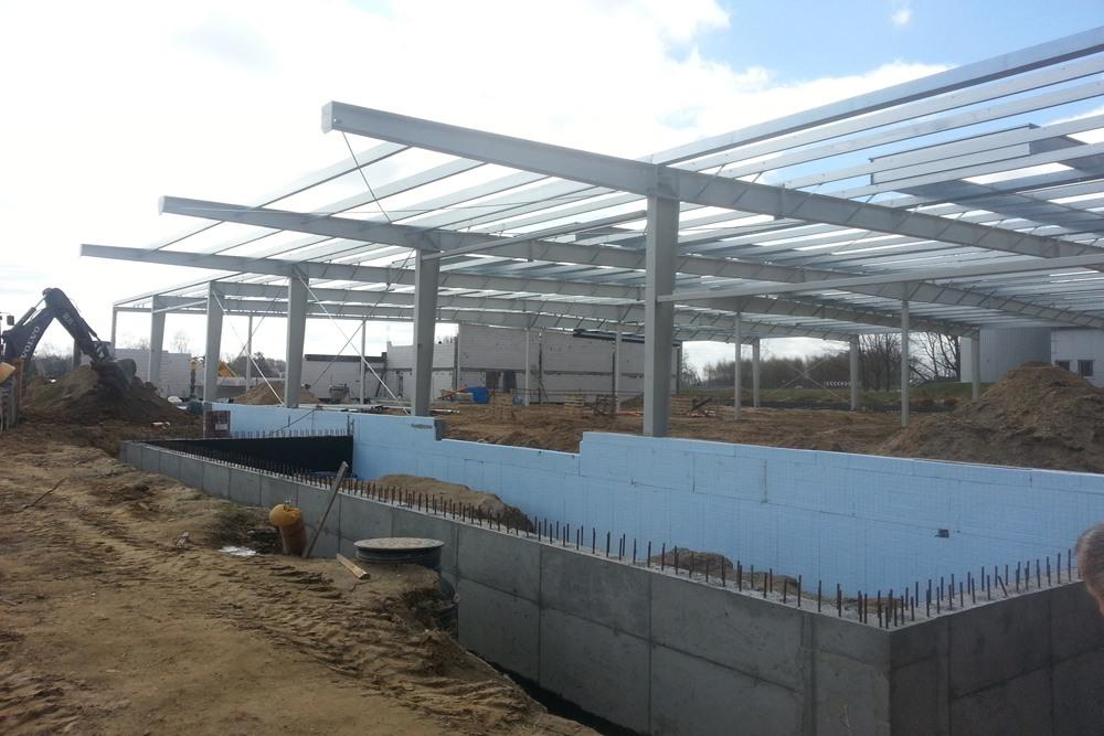 termoizolowanie fundamentów - hala produkcyjna, firma Van Den Block, Lublew Gdański, woj. pomorskie