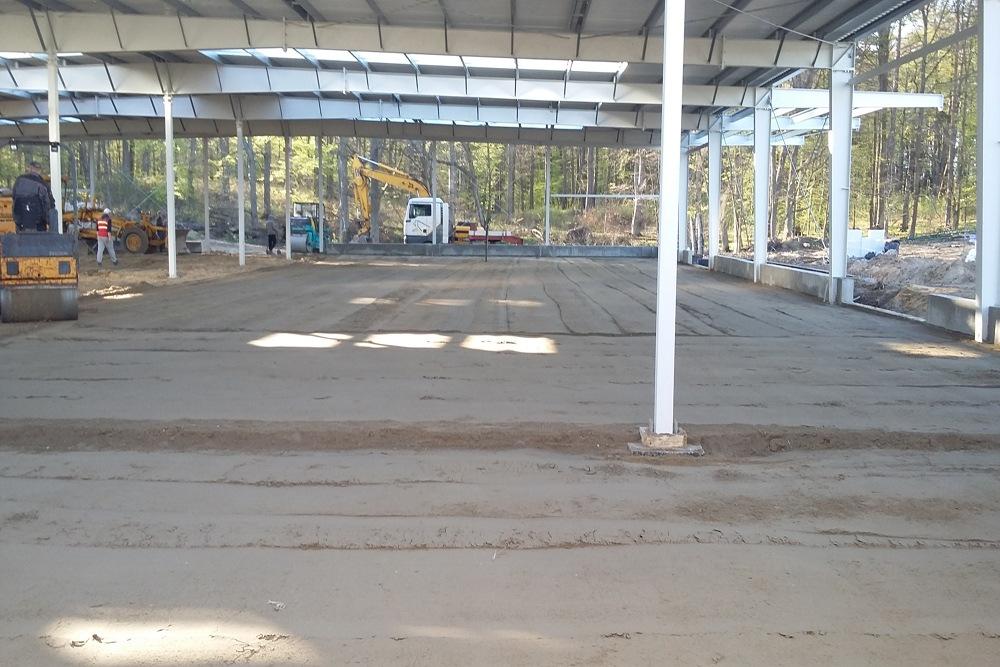 wykonanie podbudowy pod posadzkę - hala produkcyjna, firma Van Den Block, Lublew Gdański