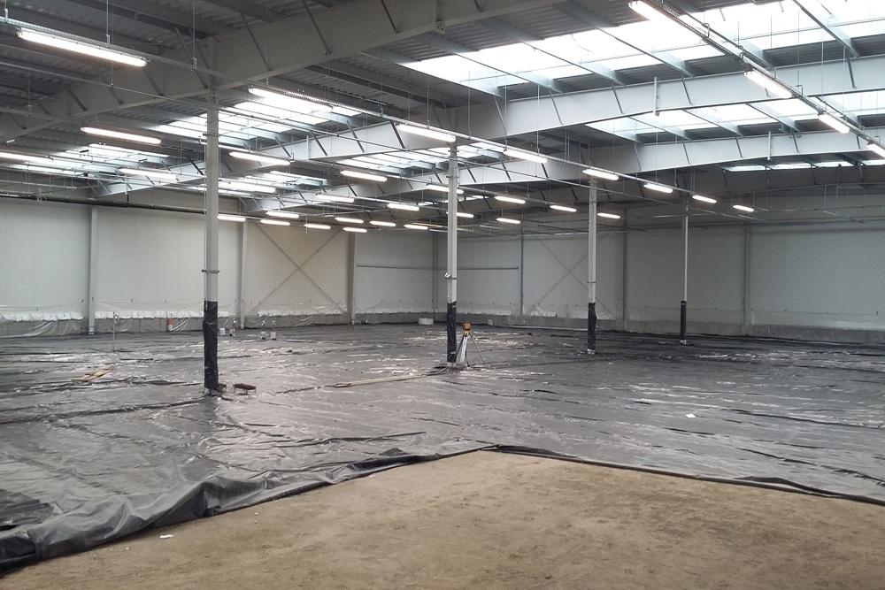 przygotowanie do wylania posadzki - hala produkcyjna, firma Van Den Block, Lublew Gdański