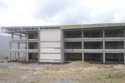 konstrukcja budynku widziana od frontu - hala magazynowa z budynkiem biurowym, dla Koesters & Meyer, Malanów