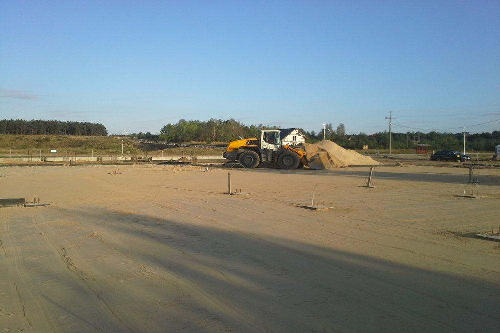 równanie terenu pod budowę - hala produkcyjna z budynkiem biurowym, dla LÜTTGENS, Nielbark, woj. warmińsko-mazurskie