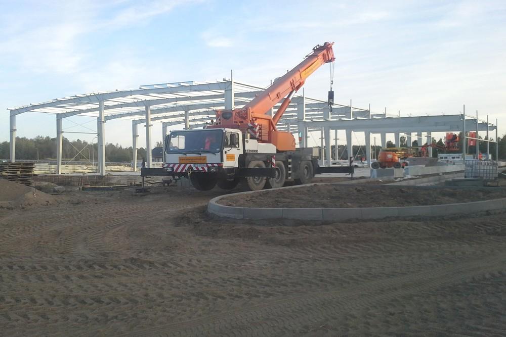 montaż elementów konstrukcyjnych - hala produkcyjna z budynkiem biurowym, dla LÜTTGENS, Nielbark, woj. warmińsko-mazurskie