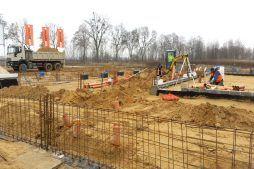 wykonanie ścian fundamentowych - hala warsztatowo-magazynowa, dla BB Investments, Łomna