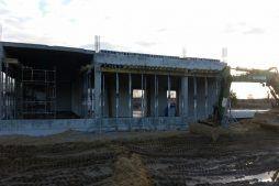 wznoszenie części biurowej- budynek socjalno-biurowy, dla BB Investments, Łomna