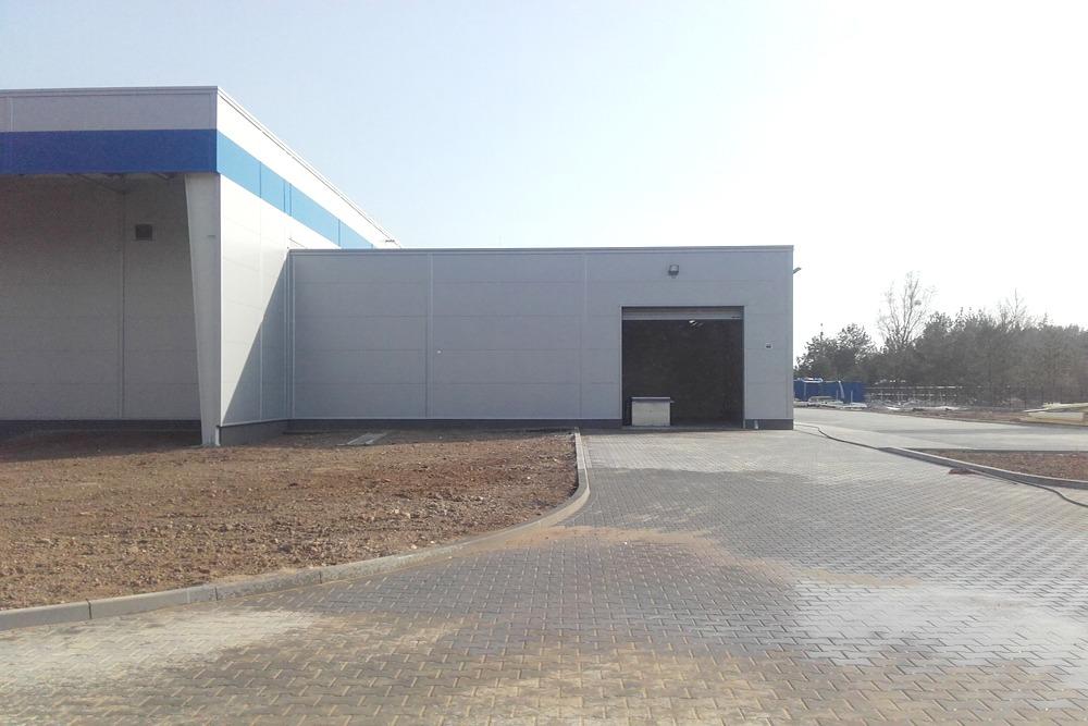 brama segmentowa - hala produkcyjna z budynkiem biurowym, dla LÜTTGENS, Nielbark, woj. warmińsko-mazurskie