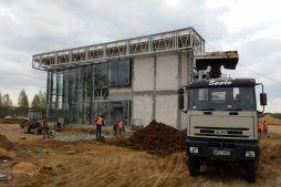 montaż okien - budynek socjalno-biurowy, dla BB Investments, Łomna, woj. mazowieckie