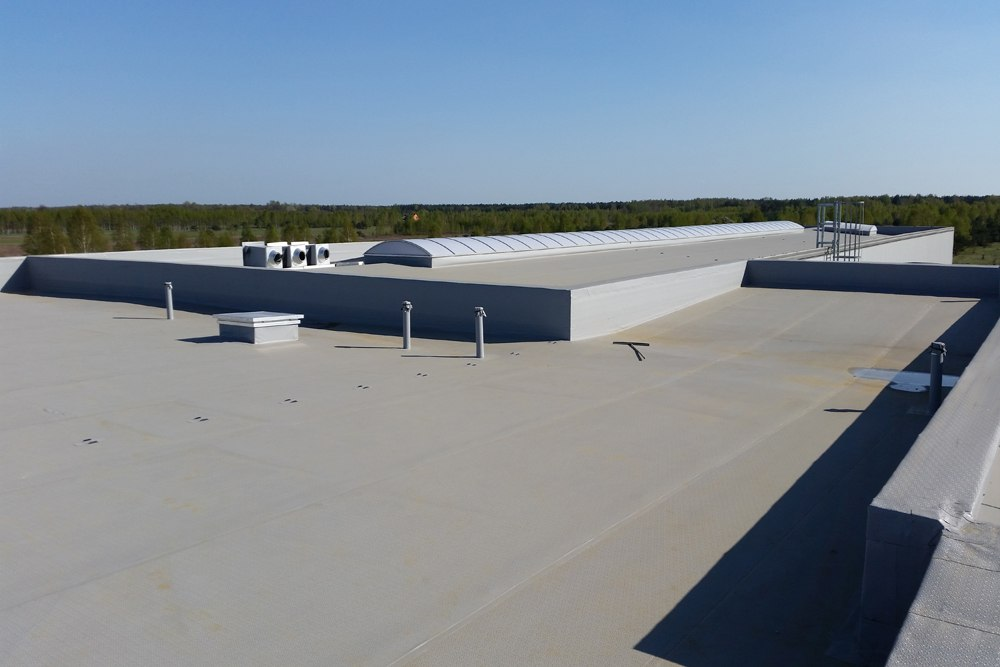 pokrycie dachowe - hala warsztatowo-magazynowa, dla BB Investments, Łomna