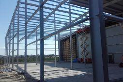 konstrukcja stalowa widziana od wewnątrz - hala magazynowa, dla Witamina, Biała Rządowa