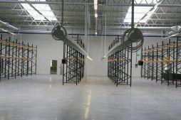 wnętrze hali 1 - hala produkcyjna z częścią biurową, dla Oras, Olesno, woj. opolskie