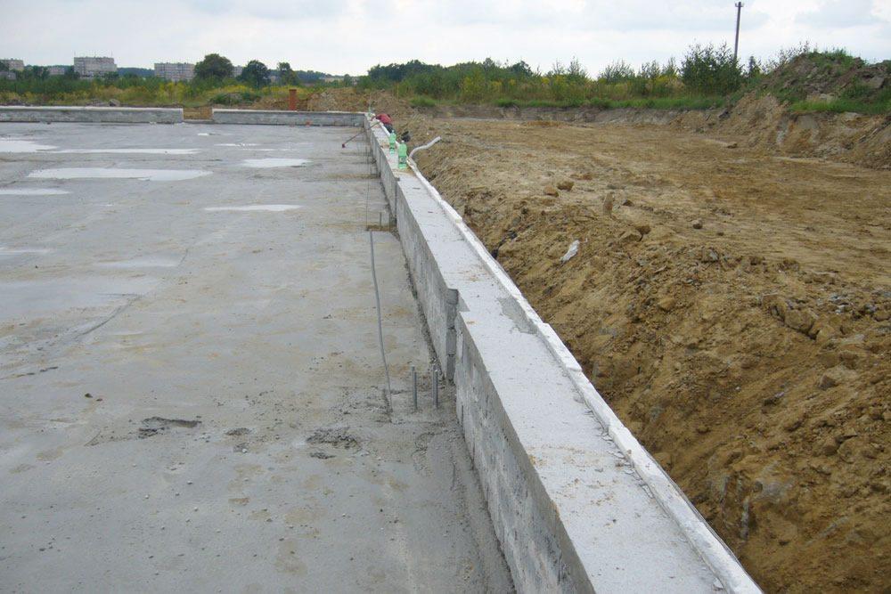 wykonane fundamenty i prace ziemne - rozbudowa hali produkcyjnej, dla OML Morando, Czerwionka-Leszczyny