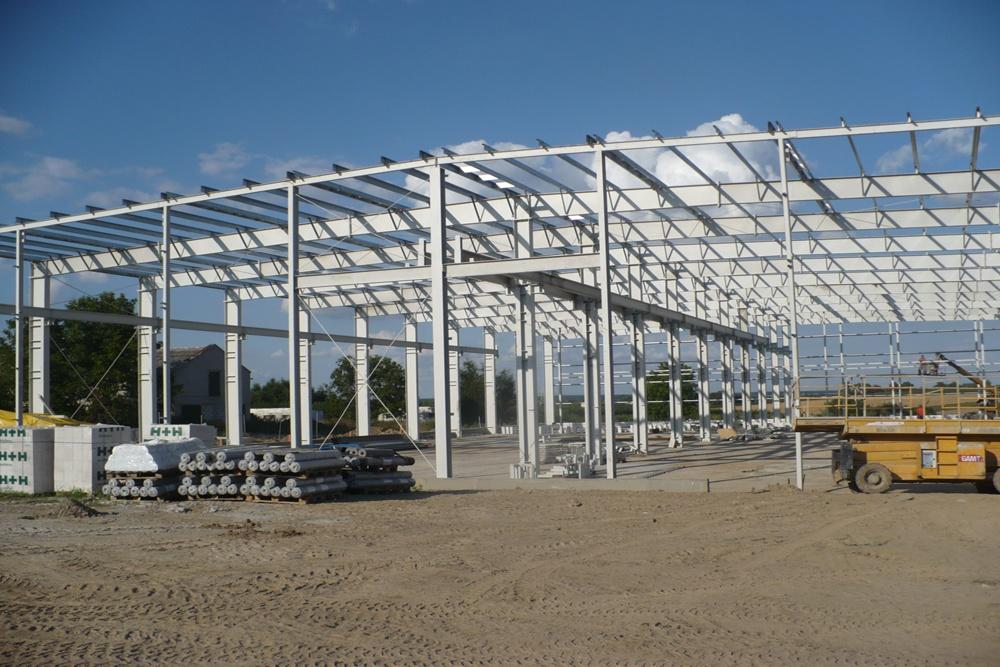 konstrukcja hali - hala produkcyjna z częścią biurową, dla Pritip, Puławy, woj. lubelskie
