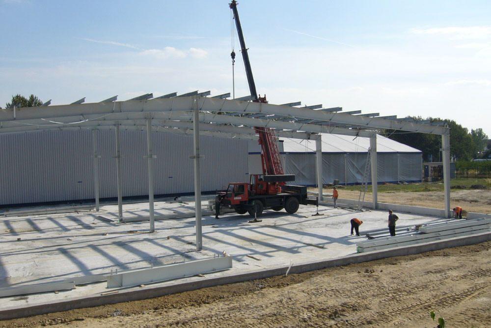 wznoszenie konstrukcji stalowej 1 - rozbudowa hali produkcyjnej, dla OML Morando, Czerwionka-Leszczyny