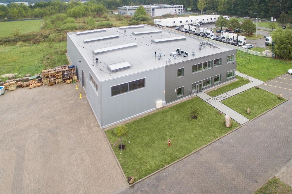 widok z góry - hala magazynowa, Firma MIRA-LUX, Klaudyn, woj. mazowieckie
