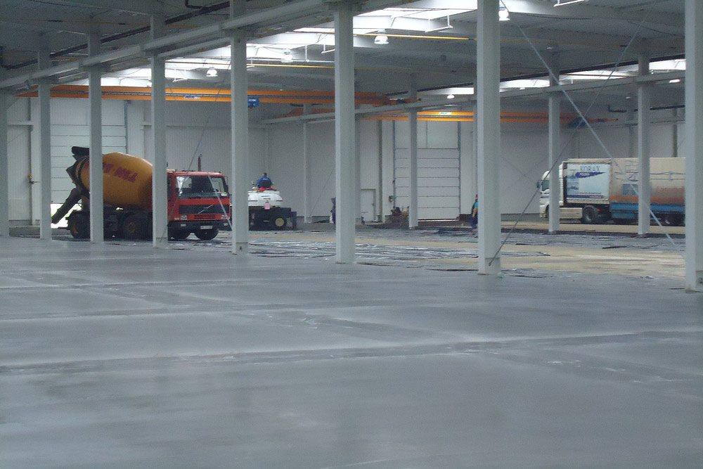 wylewka posadzki - hala produkcyjna z budynkiem biurowym, dla Blyweert Aluminium, Czosnów, woj. mazowieckie
