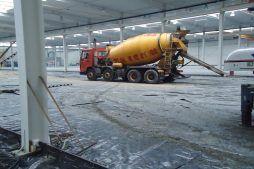 wylewka posadzki 1 - hala produkcyjna z budynkiem biurowym, dla Blyweert Aluminium, Czosnów, woj. mazowieckie