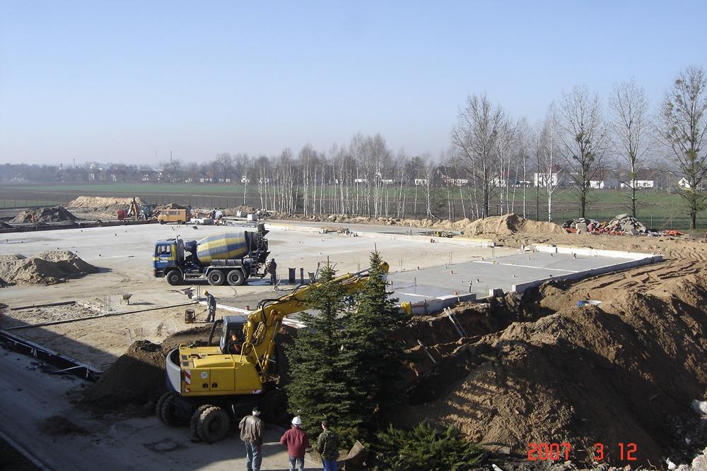 wykonanie podkładu betonowego - hala produkcyjna z częścią biurową, dla Oras, Olesno, woj. opolskie