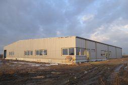budynek w trakcie wykańczania - hala produkcyjna, dla DS Group, Szadek, woj. łódzkie