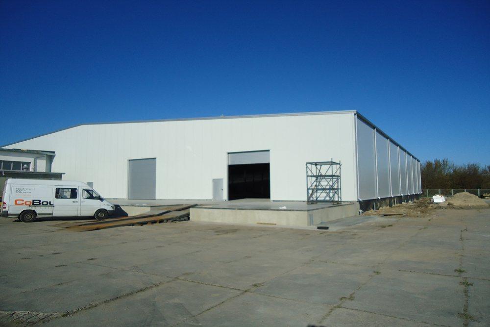 bramy wjazdowe - hala produkcyjna, dla Pilawa, Kołobrzeg, woj. zachodniopomorskie