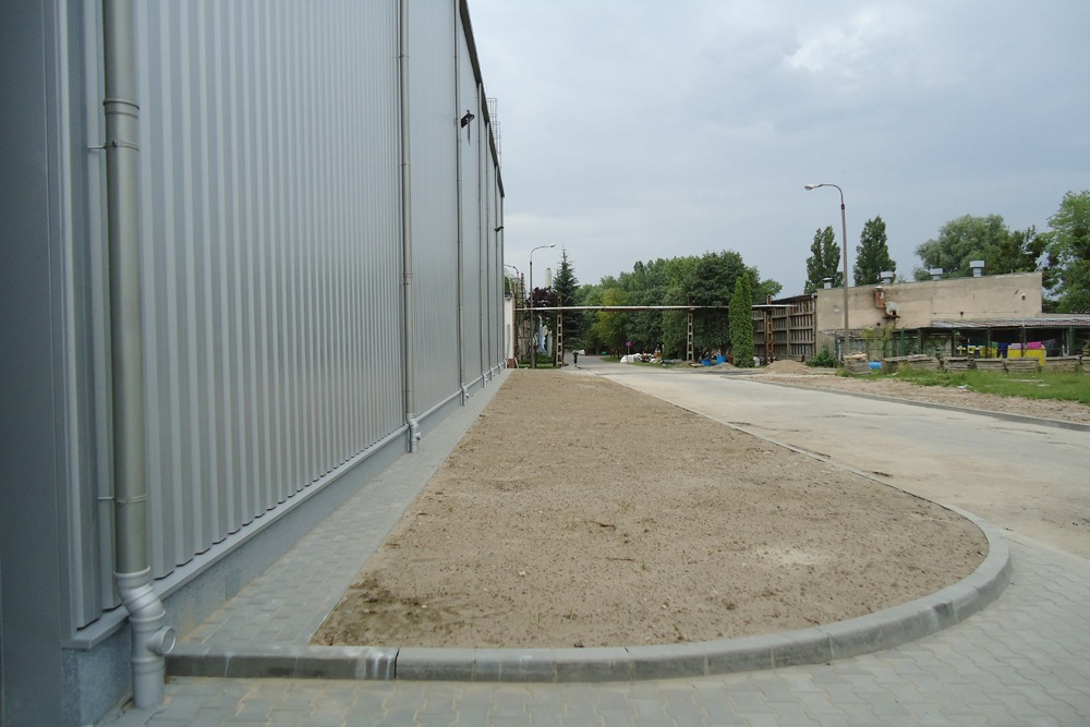 teren przed inwestycją - hala produkcyjno-magazynowa z częścią biurową, dla Ergis, Wąbrzeźno, woj. kujawsko-pomorskie