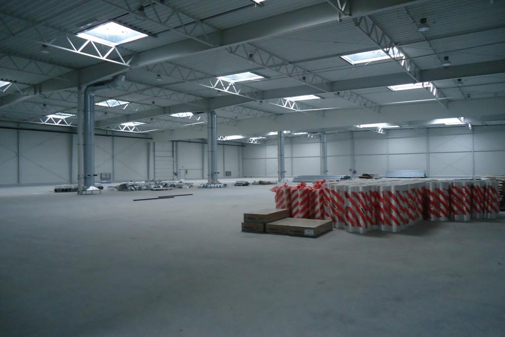 wnętrze budynku 2 - hala produkcyjna z częścią biurową, dla Arsanit, Konin, woj. wielkopolskie