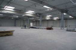 wnętrze budynku 3 - hala produkcyjna z częścią biurową, dla Arsanit, Konin, woj. wielkopolskie