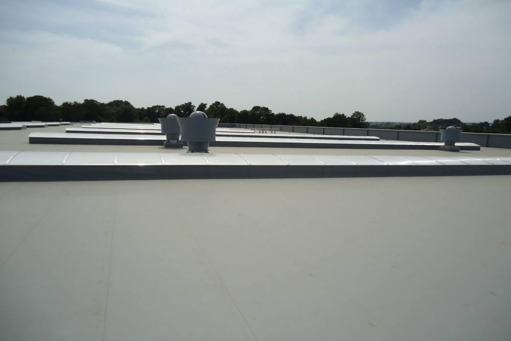 membrana dachowa - sortownia owoców z częścią biurową, dla Europejskie Centrum Owocowe, Rębowola